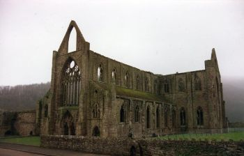 The ruins of Tintern Abbey inspired both Wordsworth and Tennyson.